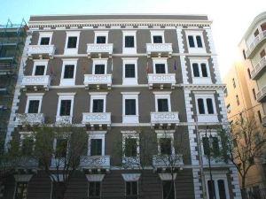 加里波蒂酒店(Hotel Garibaldi)