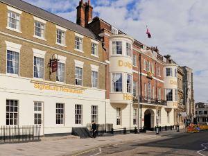 南安普敦中心海豚美居酒店