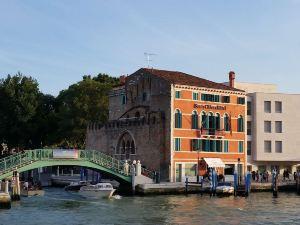 威尼斯聖基亞拉教堂及帕瑞斯酒店
