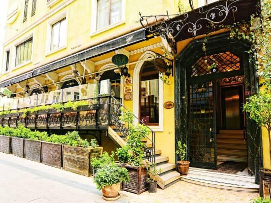 桑塔奧特曼酒店