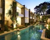 巴厘島阿斯塔納彭根貝克套房及別墅公寓