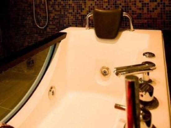 哥打京那巴魯六十三酒店(Hotel Sixty3 Kota Kinabalu)套房