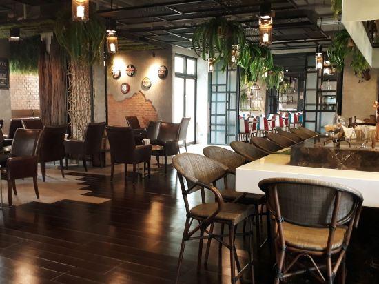芭堤雅T酒店(T Pattaya Hotel)餐廳