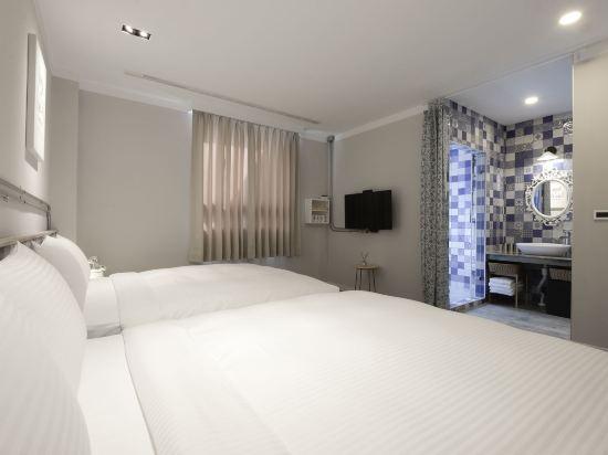 台中莿桐花文創微旅(Napas Hotel)高級四人房