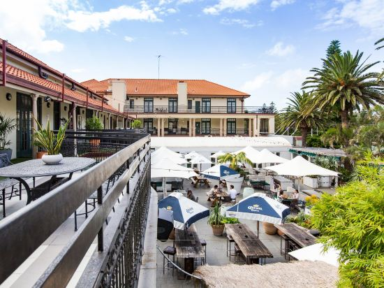 Coogee Bay Hotel Sydney