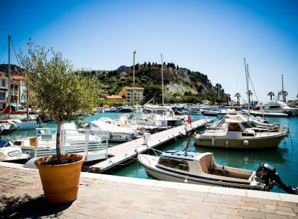 Hot Springs Hotels In Cassis Trip Com