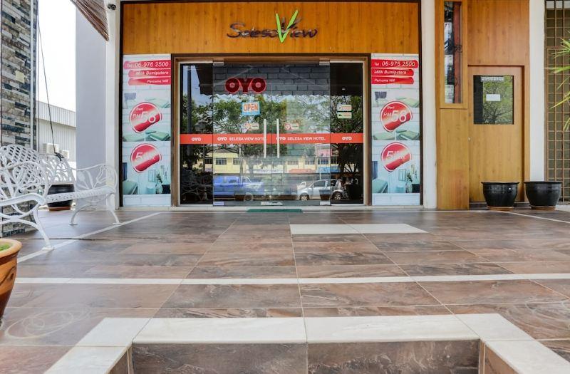 Oyo 89617 Selesa View Reviews For 2 Star Hotels In Bukit Gambir Trip Com