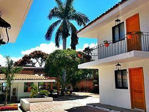 河岸酒店(La Ribereña)
