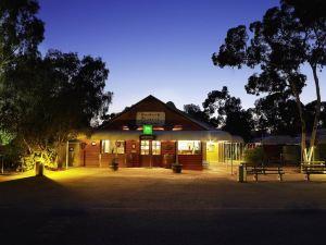 內陸先鋒小屋(Outback Pioneer Lodge)