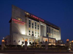 新德里奧卡哈皇冠假日酒店