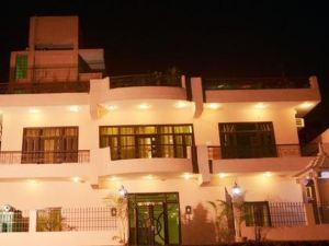 甘達蒙娜斯特里酒店(Ganga Monastery)