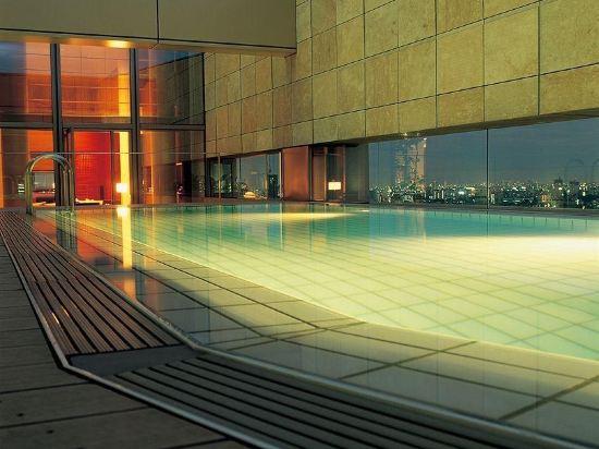 東京君悅酒店(Grand Hyatt Tokyo)室外游泳池