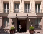巴黎圖維爾艾菲爾酒店