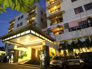 普里登巴薩酒店(Puri Denpasar Hotel)