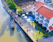 懷特河濱酒店