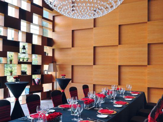 新加坡聖淘沙艾美酒店(Le Méridien Singapore, Sentosa)酒吧