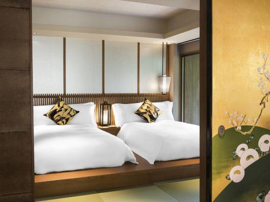 京都翠嵐豪華精選酒店(Suiran, a Luxury Collection Hotel, Kyoto)玉東町花園露台套房卧室