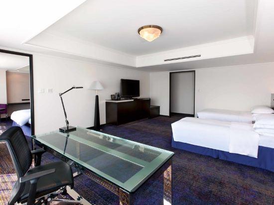 福岡海鷹希爾頓酒店(Hilton Fukuoka Sea Hawk)行政豪華家庭房