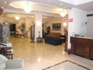 卡莫德爾酒店(Commodore Hotel)