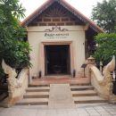 唐布拉別墅酒店(Villa Thongbura)