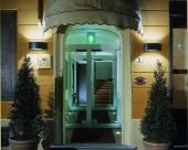 博洛尼亞艾卡佩洛羅索酒店