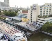 曼谷河濱酒店