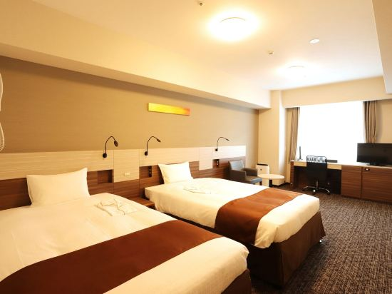 大阪本町微笑尊貴酒店(Smile Hotel Premium Osaka Hommachi)豪華雙床房