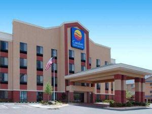 魁爾斯普林斯舒適套房酒店(Comfort Inn and Suites Quail Springs)