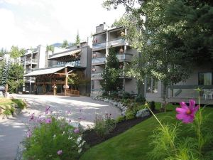 坦塔羅斯度假旅館(Tantalus Resort Lodge)