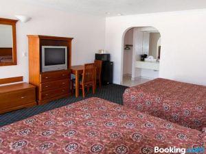 聖塔安那西海岸旅館
