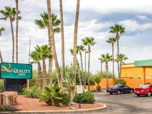 品質酒店 - 圖森機場(Quality Inn - Tucson Airport)