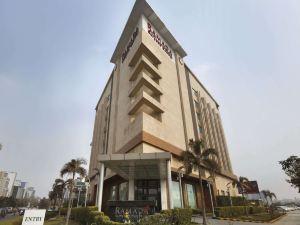古爾岡中央華美達酒店(Ramada Gurgaon Central)