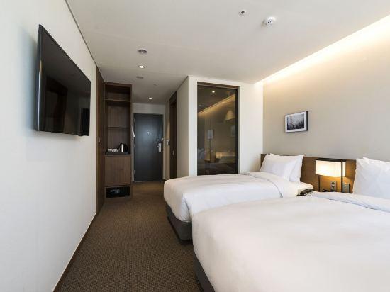 釜山海雲台温德姆華美達安可酒店(Ramada Encore by Wyndham Busan Haeundae)高級雙床房
