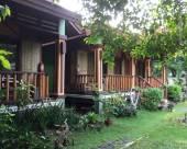 紅棕櫚度假村