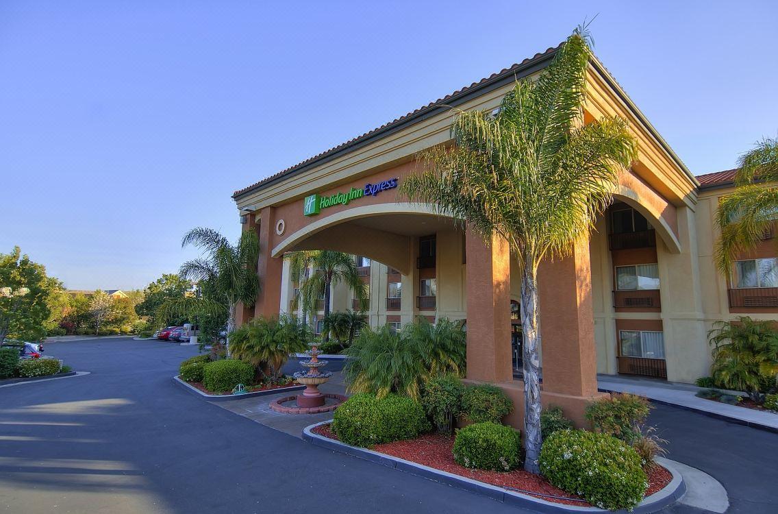 holiday inn express temecula hotel reviews and room rates rh trip com