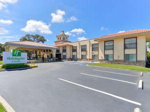 坦帕北假日套房酒店(Holiday Inn Hotel & Suites Tampa North)