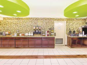 奧克蘭機場及體育館拉昆塔酒店(La Quinta Inn Oakland Airport & Coliseum)