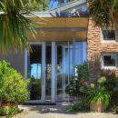 克里斯比肯波恩特餐廳和別墅(Chris's Beacon Point Restaurant & Villas)