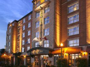 勞里爾堡酒店