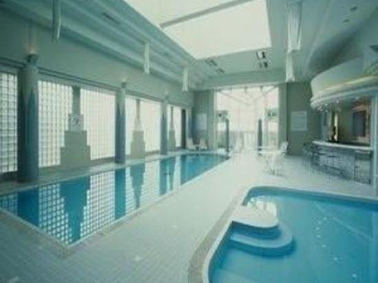 沖繩格蘭美爾度假酒店(Okinawa Grand Mer Resort)室內游泳池