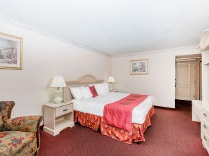 德梅因貝蒙特酒店及套房(Baymont Inn and Suites des Moines)