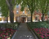 蕾佳娜贊恩酒店