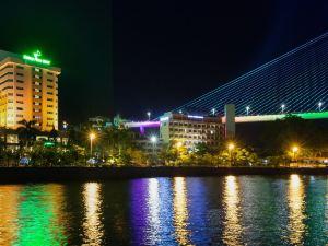 下龍灣廣場酒店(Halong Plaza Halong Bay)