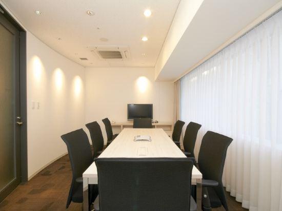 南海大阪輝盛國際公寓(Fraser Residence Nankai Osaka)會議室