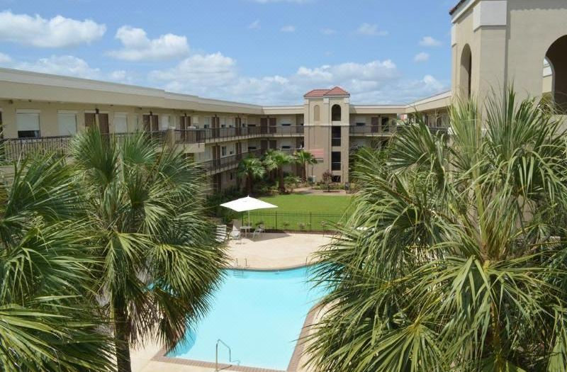 Wyndham Garden Baton Rouge, Hotel reviews and Room rates