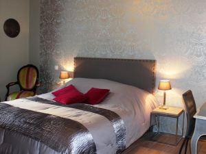 金心德波爾多 - 伊卡福阿維恩酒店(Au Coeur de Bordeaux - Chambres d'hôtes et Cave à Vin)
