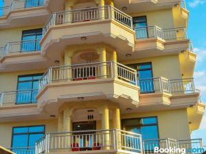 銀色天堂酒店