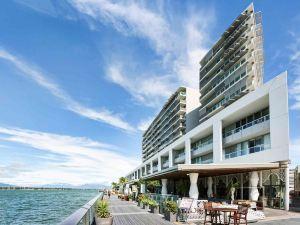 凱恩斯海港燈光酒店(Cairns Harbour Lights)