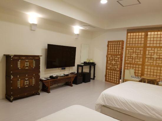 Bandal酒店(Bandal Hotel)家庭房