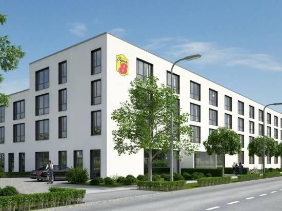 北慕尼黑温德姆速 8 酒店